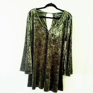 💕Ana Nottingham Green Velvet Dress Bell Sleeves